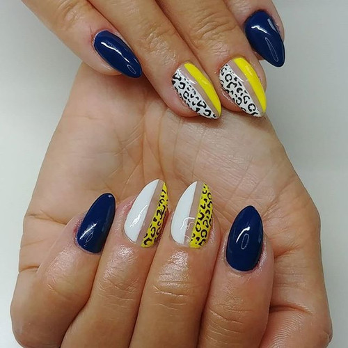New nails for me 💛🐆💙 inspired by @nai