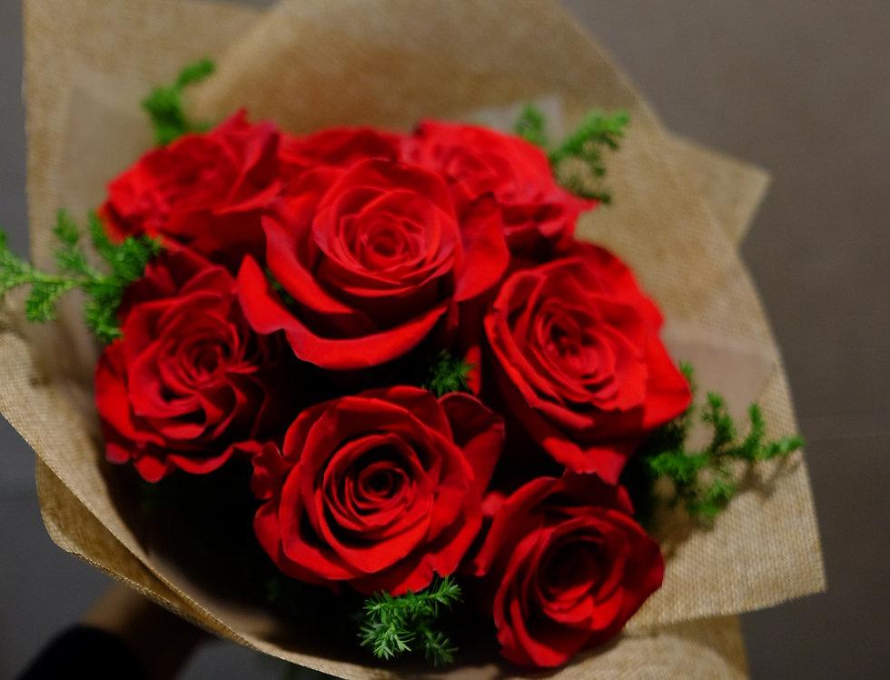 Mini me - 9 stems Kenya Red Rose