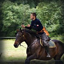 Tir à l'arc à cheval, archerie équestre