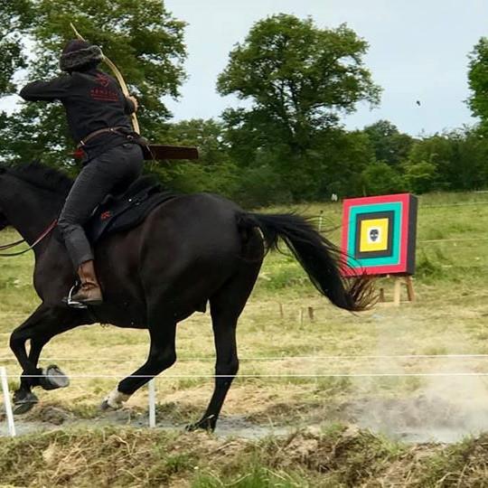 Stage Tir à l'arc à cheval  perfectionnement ou découverte (1)
