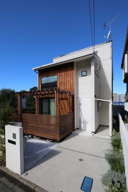 八幡山の家 01