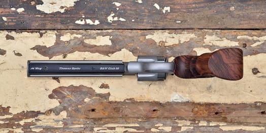 MAX1700-Underlug.jpg