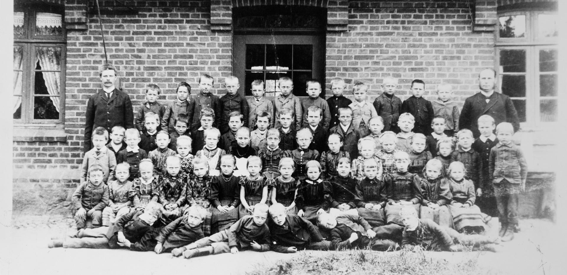 Schulklasse um 1900