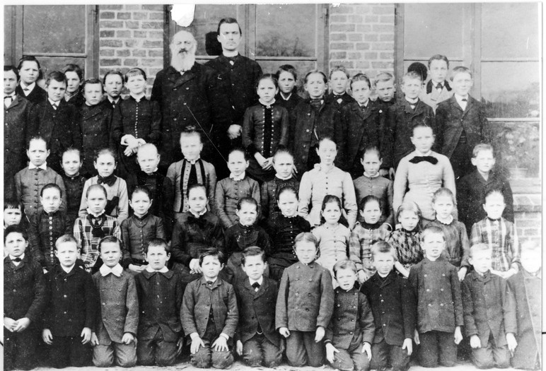 Schulklasse ca.1880
