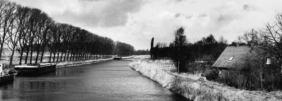 Kanal im Winter
