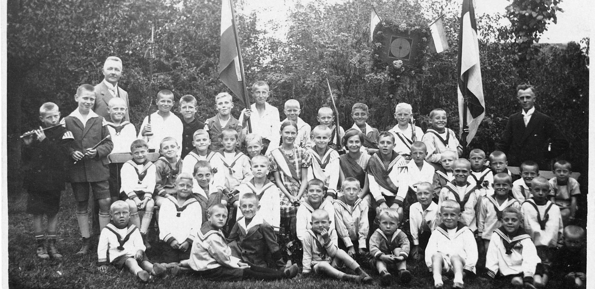 Schulklasse 20er Jahre