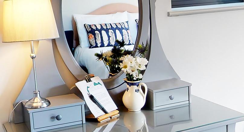 Harebell Room Vanity Station