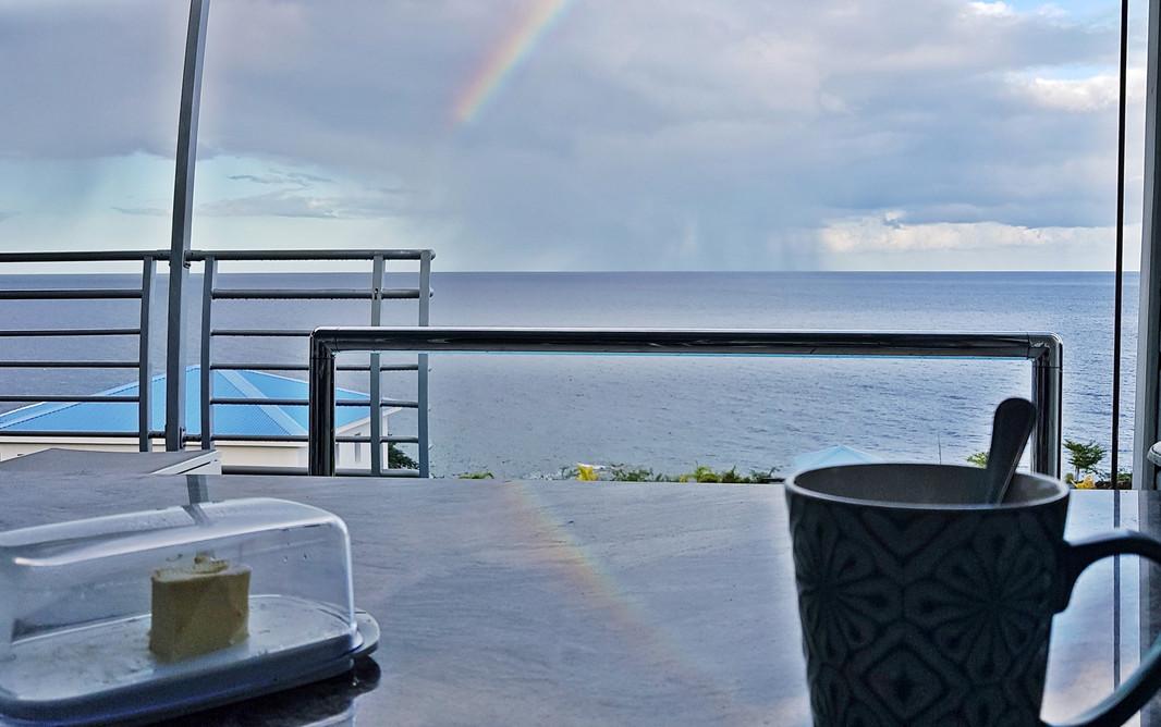 Petit déjeuner en arc-en-ciel dans la villa Blue Haven 2