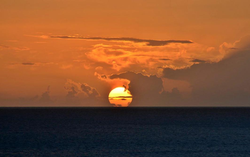 Le spectacle tous les soirs, le coucher de soleil à Blue Haven Villas
