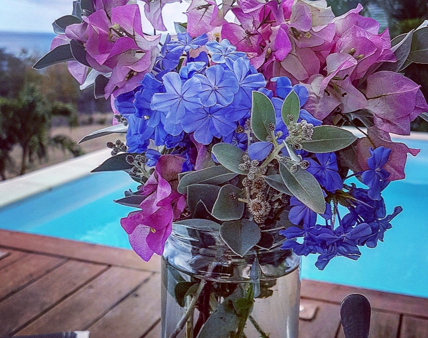 Bouquet du jour avec les fleurs du jardin