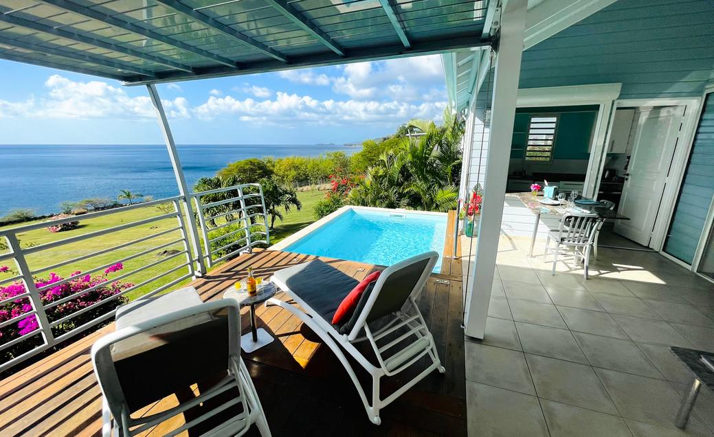 La terrasse de la villa Blue Haven 2