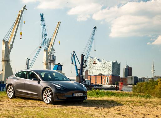 Fotos in Hamburg mit unserem neuen Tesla Model 3