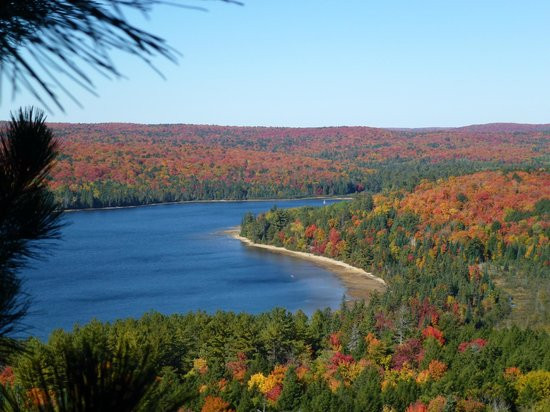 10 Breathtaking Spots to View the Fall Colors in Ontario