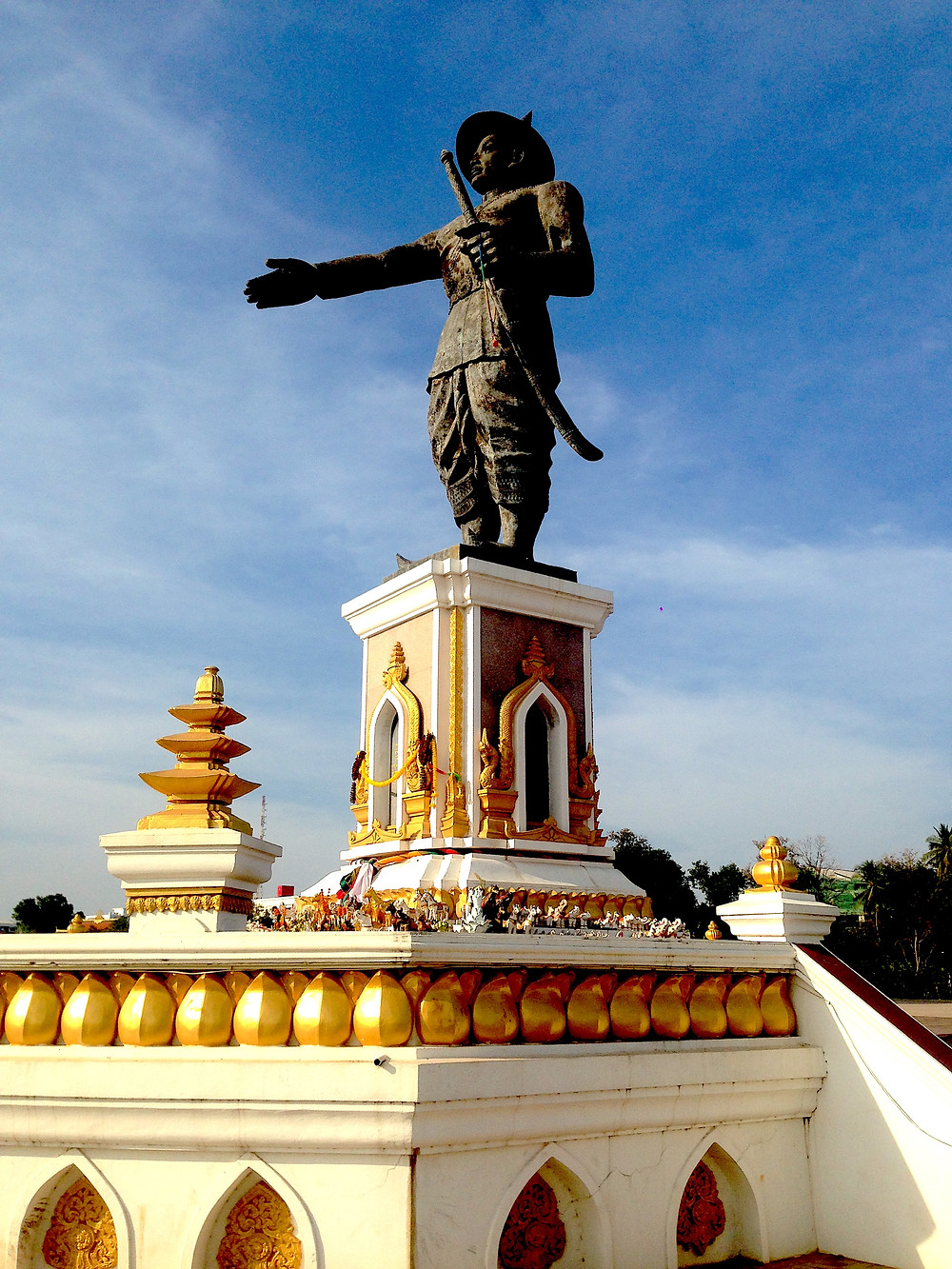 King Chao Anouvong statue, Vientiane
