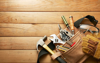 wooden-floor-hand-tools-safety-glasses-w