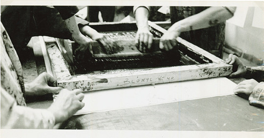 Screen-printing at the Atelier Populaire, May 1968, photographed by Philippe Vermès.