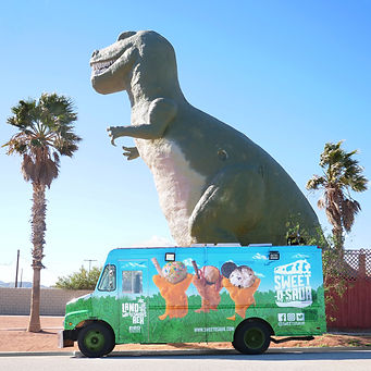 Truck at Cabazon Dinosaurs.jpg