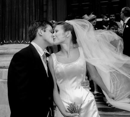 Black and White Wedding photography looks fantastic.