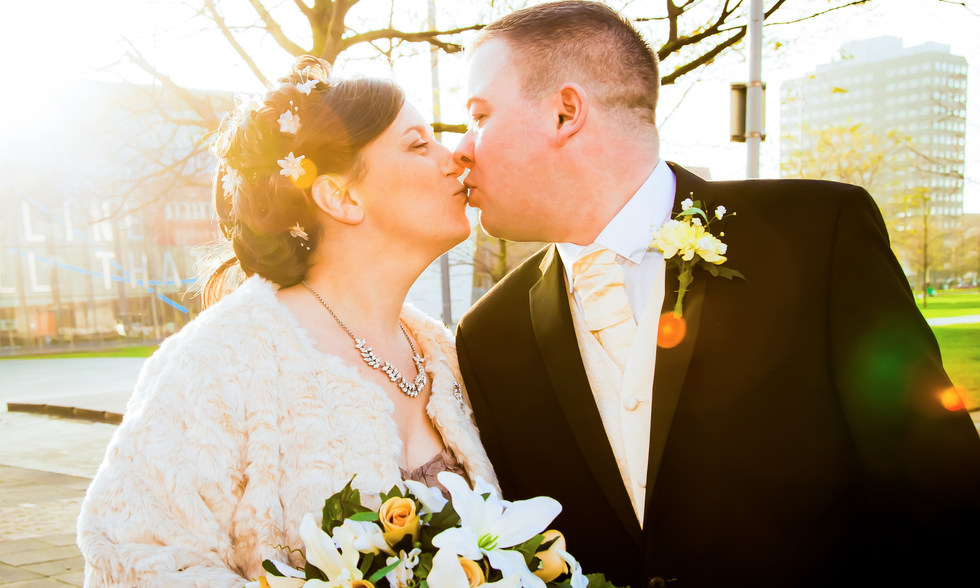 Bride and Groom kiss Middlesbrough