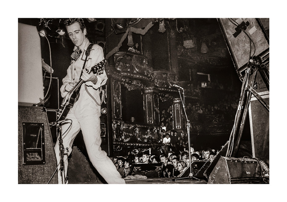 The Clash play London 1980's