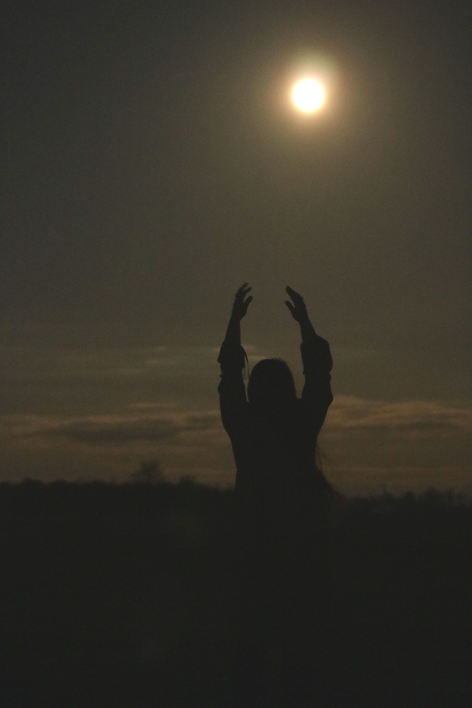 full moon, goddess, magic, full moon, divine feminine, moonlight, dancing
