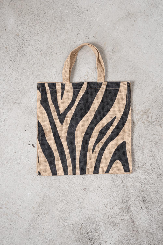 メイゾンベンガルの雰囲気のあるジュードバッグは旅行にもおすすめ