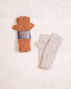 Tweedmillのウールの手袋は保温性もあり冬のお出かけにおすすめ