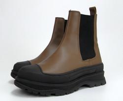 REMME(レメ) のサイドゴアブーツの靴を輸入して販売