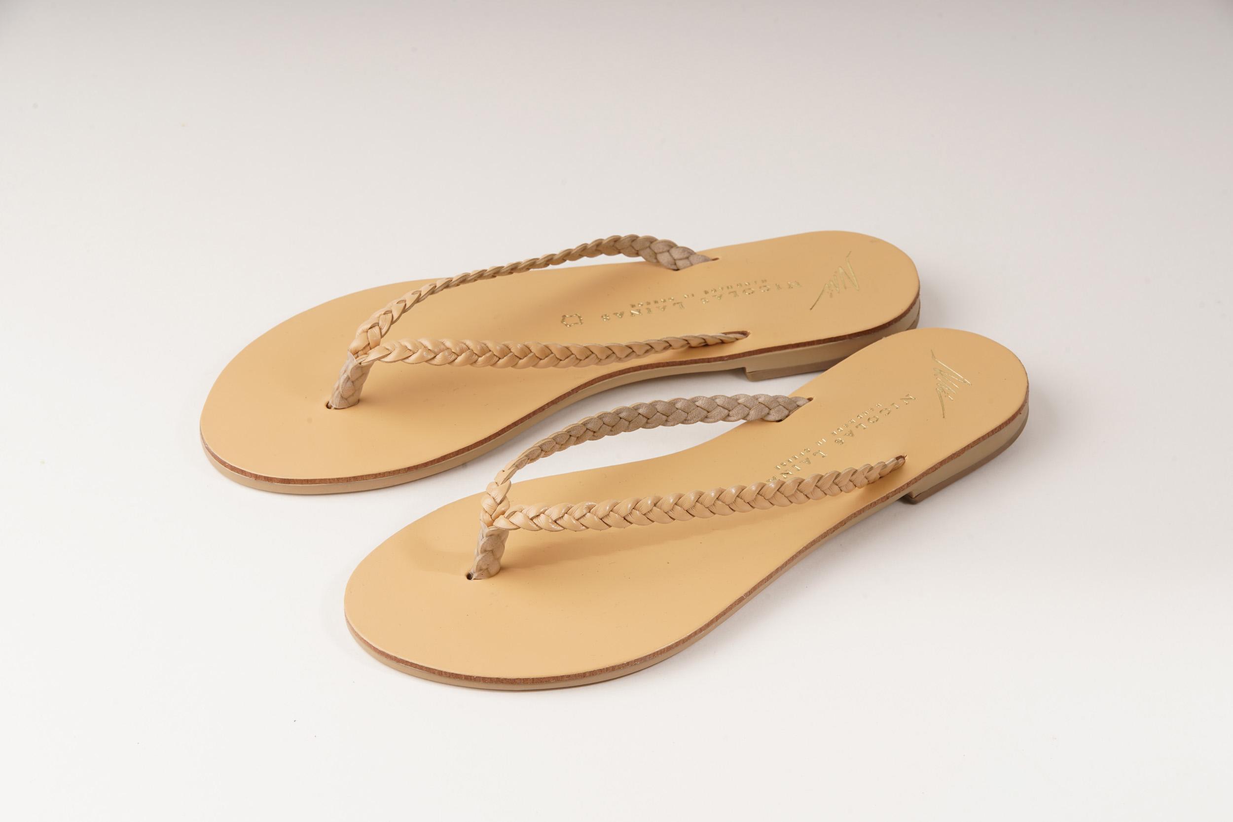 ニコラス ライナスのビーチサンダルを営業が輸入してショップに販売