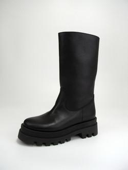 REMME(レメ)のはき心地の良い、厚底ブーツ