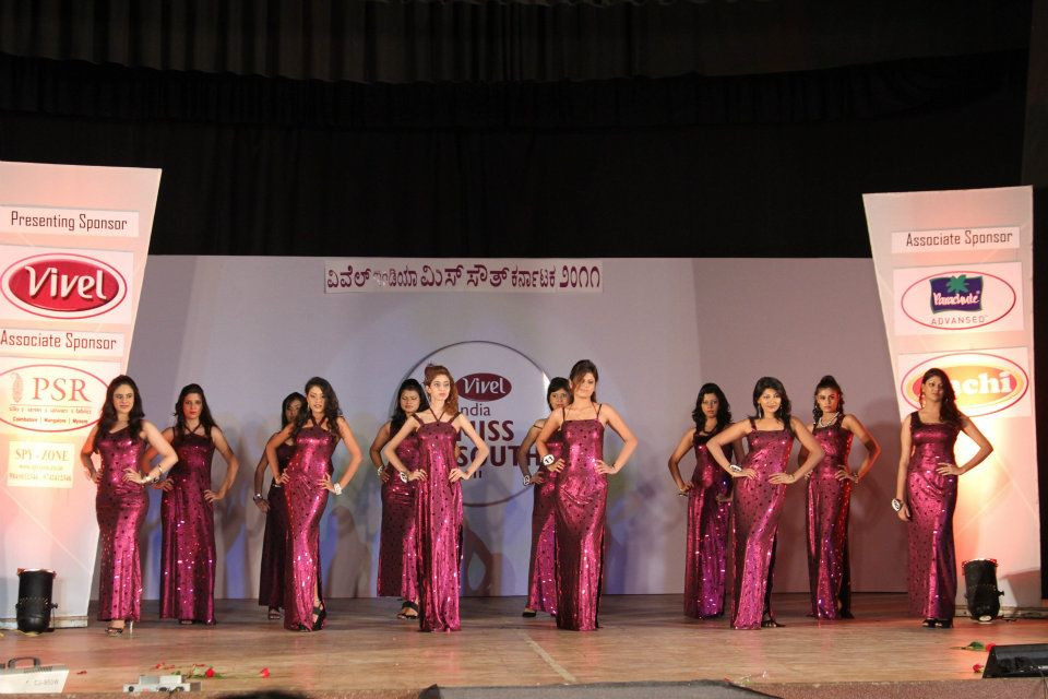 INDIA MISS SOUTH 2011 (1).jpg
