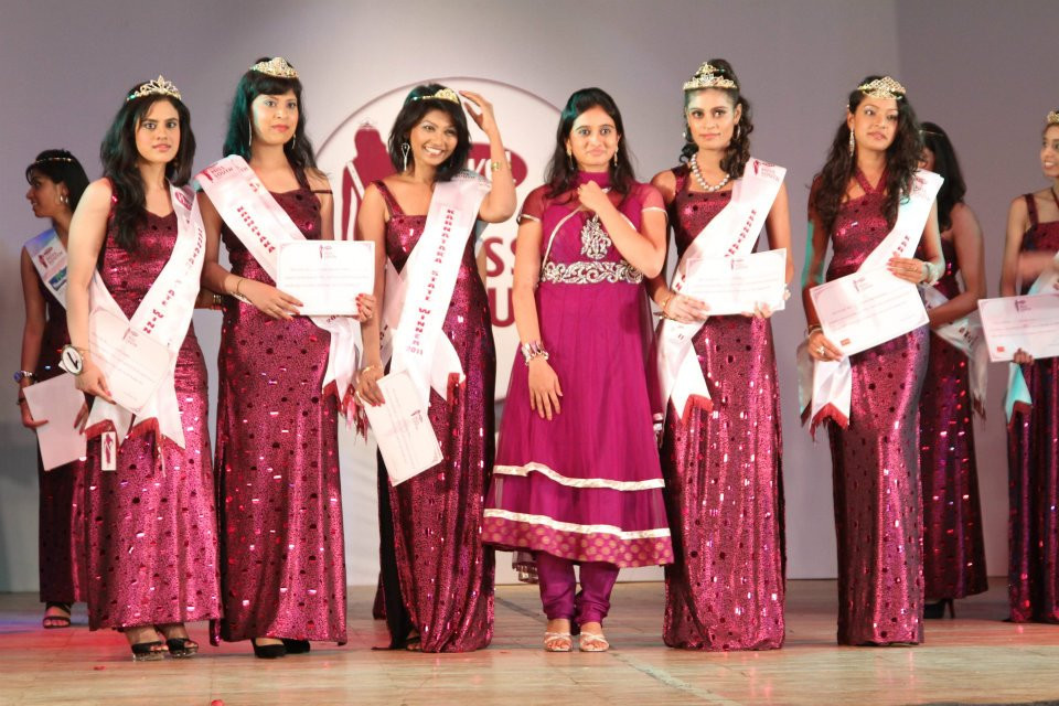 INDIA MISS SOUTH 2011 (6).jpg