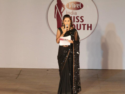 INDIA MISS SOUTH 2011 (2).jpg