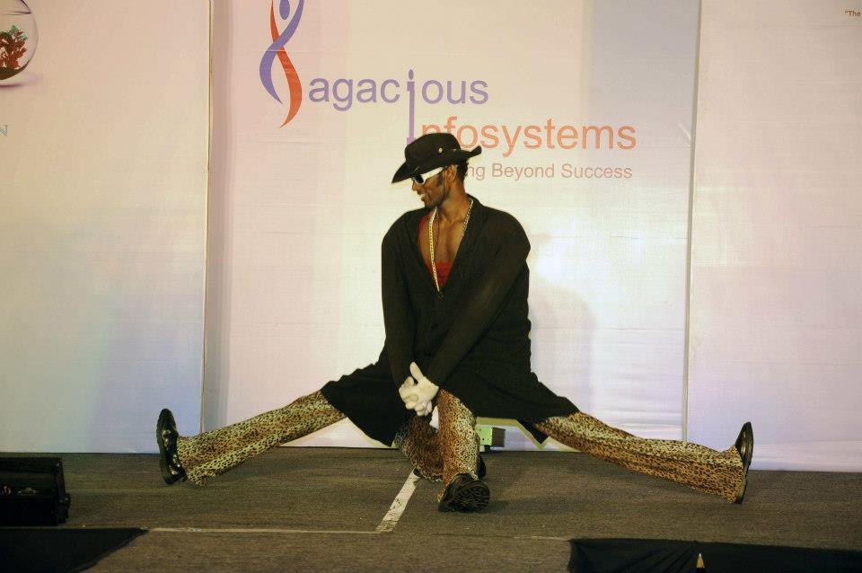 sagascious show 2012 (8).jpg