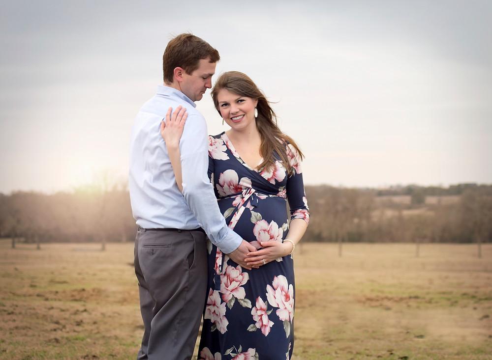 Brenham maternity session photographer