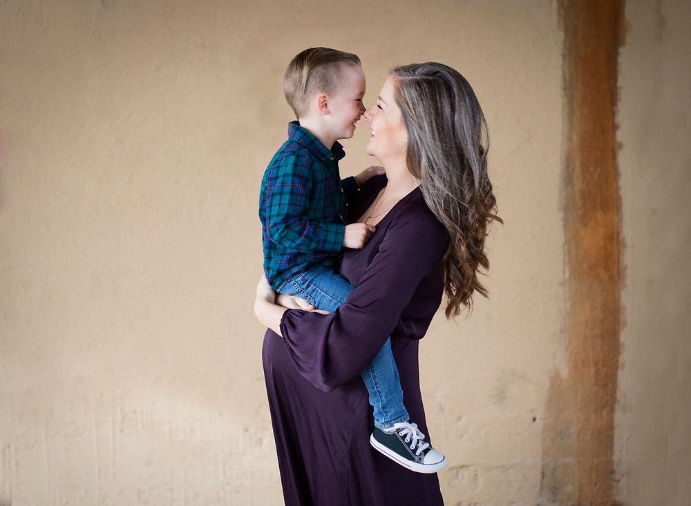 Brenham maternity photographer