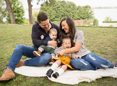 FAQ Friday: What to Wear to Your Family Session