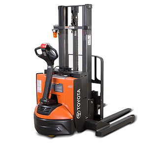 Raymond 6210 Walkie Straddle Stacker For