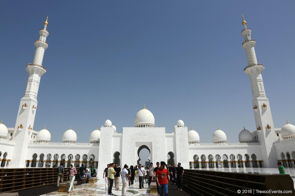 Sheikh Zayed Mosque group tour_TravcoEvents