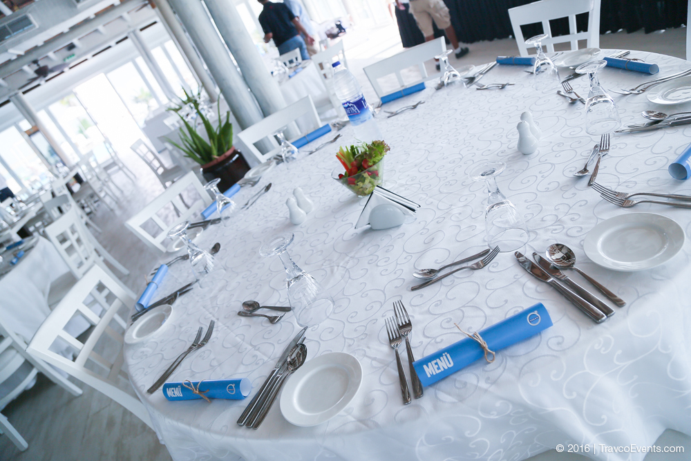Elegant Lunch Setup_TravcoEvents