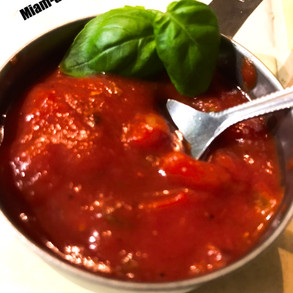 C'est la, c'est la... salsa... des tomates... Salsa... des tomates !