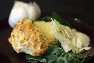 Italien Herb and Cheese Biscuit 4.JPG.jp
