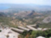 Πολιτεία ενοικιαζόμενα διαμερίσματα στην Κάρυστο, οι αρχαίες κολώνες της Καρύστου