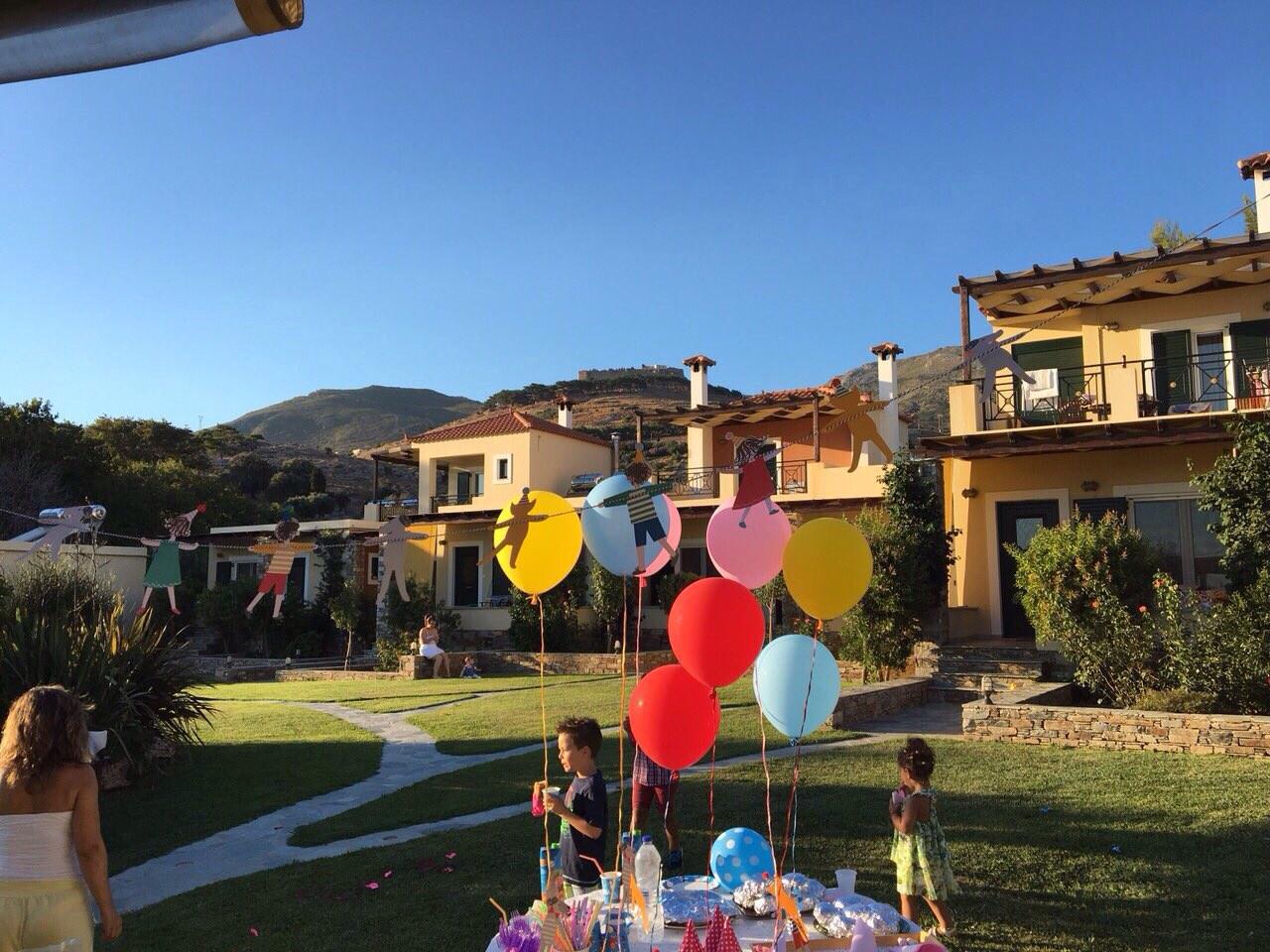 Politia Villas outdoor parties