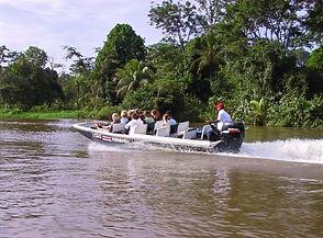 Excursion en bateau sur les canaux fluvi