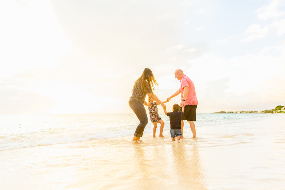 Lifestyle Family Photographer   Field Lo