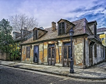 10 CREEPY haunted places in New Orleans