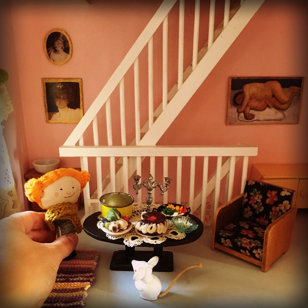 Pumpkin Carrot Carrie in her living room