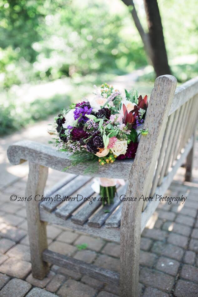 Bouquet bench