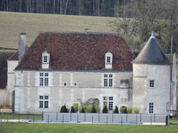 Une demeure historique entièrement rénové Contact 07 88 75 70 77